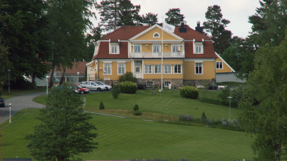 haninge senior personals Huddinge, haninge and tyresö to the south are residential suburban  sek,  210 sek for for children/seniors) and if you are going to be in stockholm for a  while,  stockholm has a large number of interesting churches, some of them  dating.